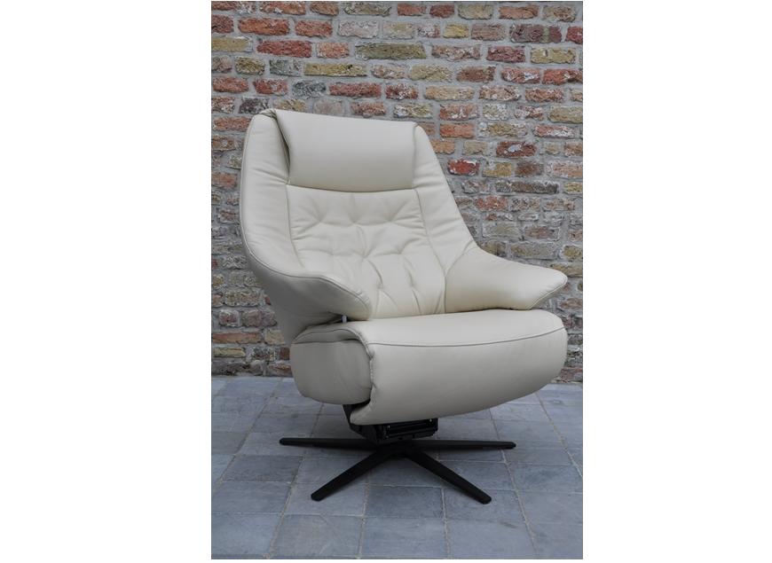 Designo Capiton elektrische relax met opstaphulp